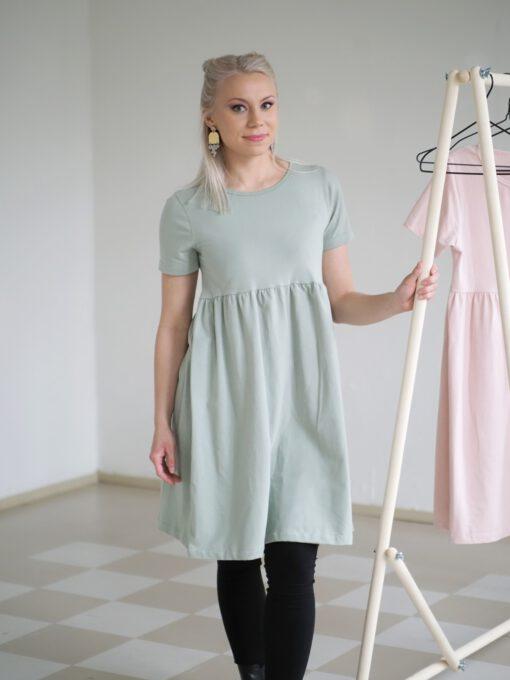 Lilja mekko